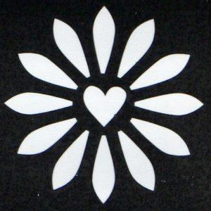 Bloem met hart sjabloon